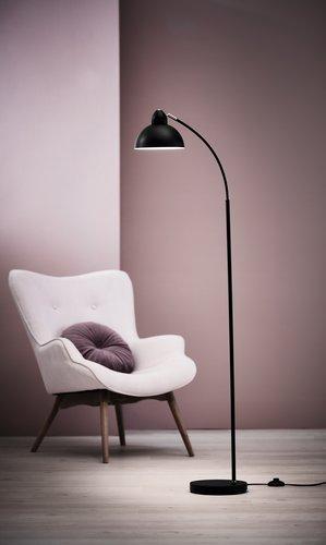 Golvlampa HUGO H154cm svart