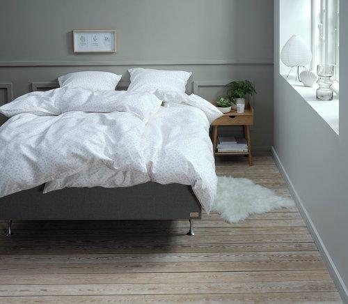 Спално бельо с чаршаф HELENE 200x220